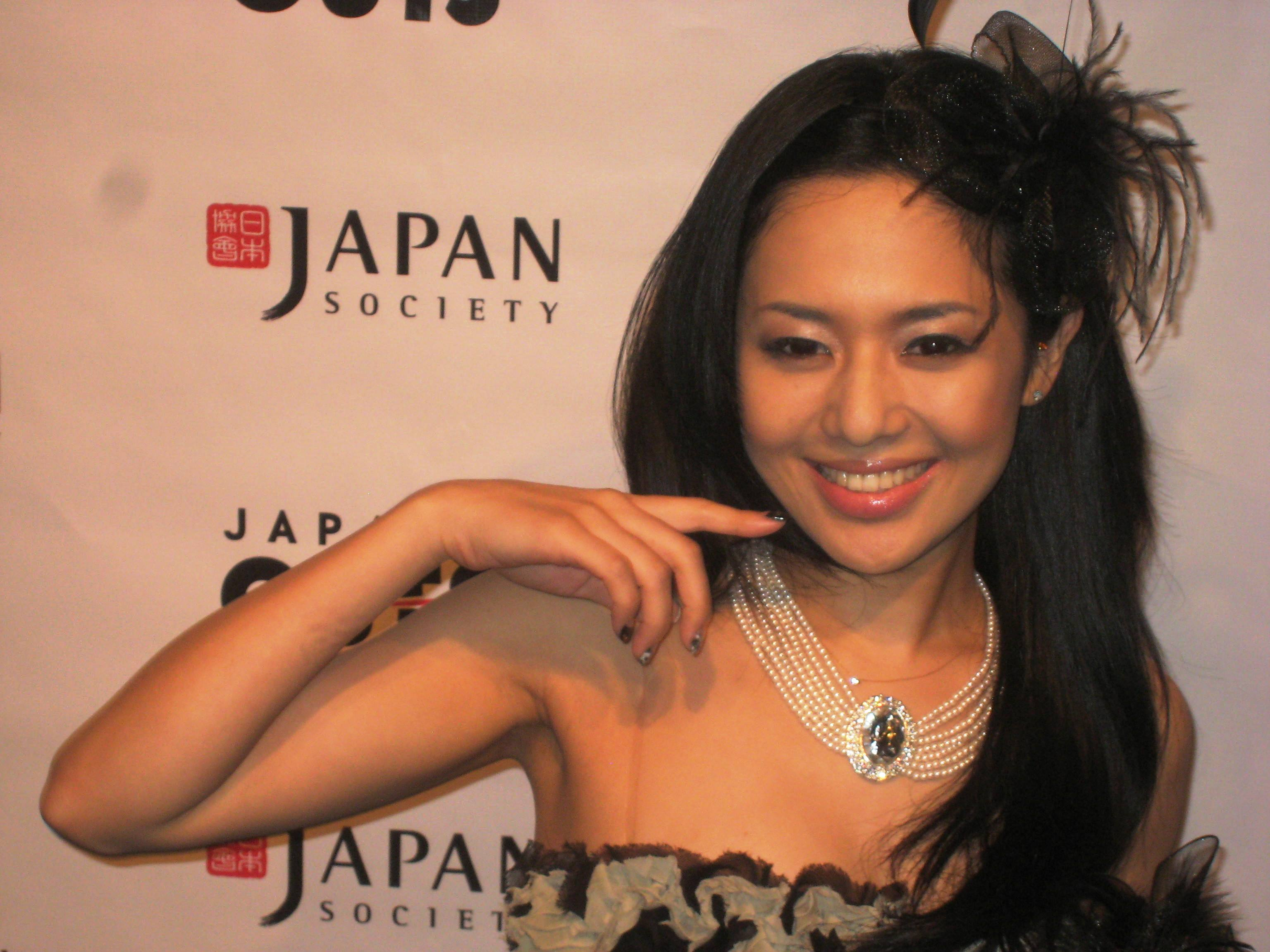 Jessica parker kennedy titties