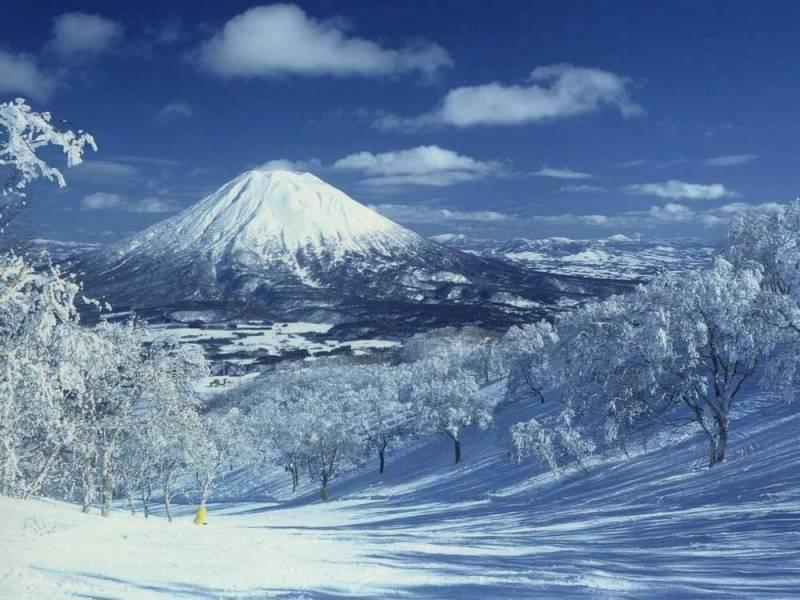 Five of Japan's best locations to ski and snowboard